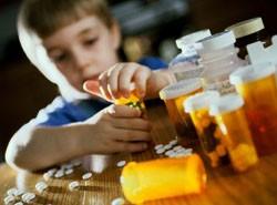 Отравления являются причиной болей головы и живота у ребенка
