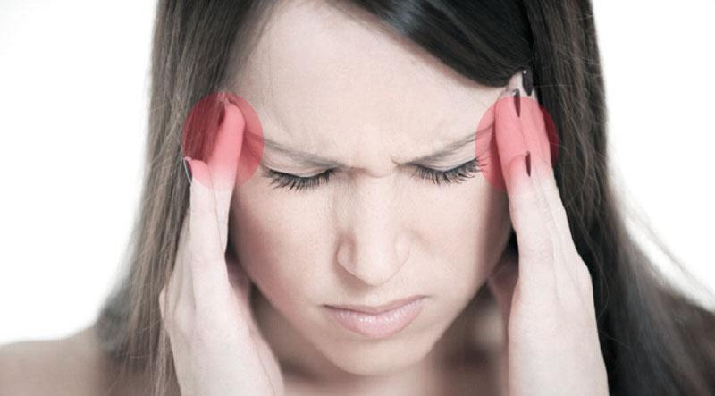 Боль в висках и тошнота