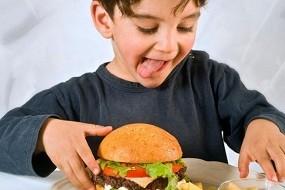 Неправильное питание может стать причиной абдоминальной мигрени у детей и подростков