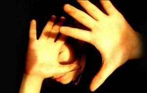Яркий свет может стать причиной детской мигрени