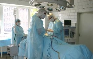 Операция по удалению опухоли головного мозга