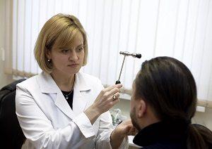 Невролог и пациент