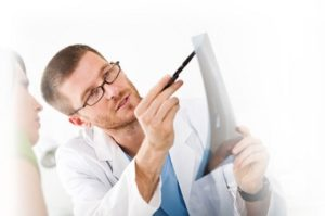 Диагностика и лечение резкой боли в голове
