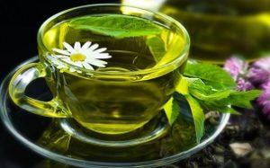 Зеленый чай с ромашкой