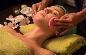 Для снятия головной боли массаж и эфирные масла